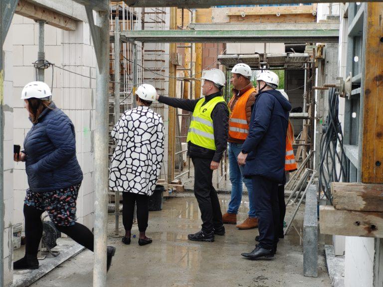 Jaka jest skala przedsięwzięcia budowy Inkubatora Przedsiębiorczości w Budzowie i jaki w tym udział środków Gminy, a ile pozyskaliśmy z Unii Europejskiej?